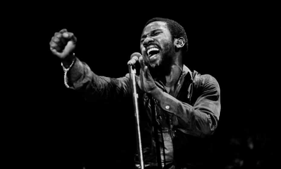 Toots Hibbert performing with the Maytals in Chicago, 1982.