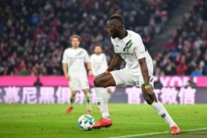 Salif Sané moves from Hannover to Schalke.
