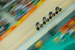 Great Britain's men's team pursuit during their semi-final victory