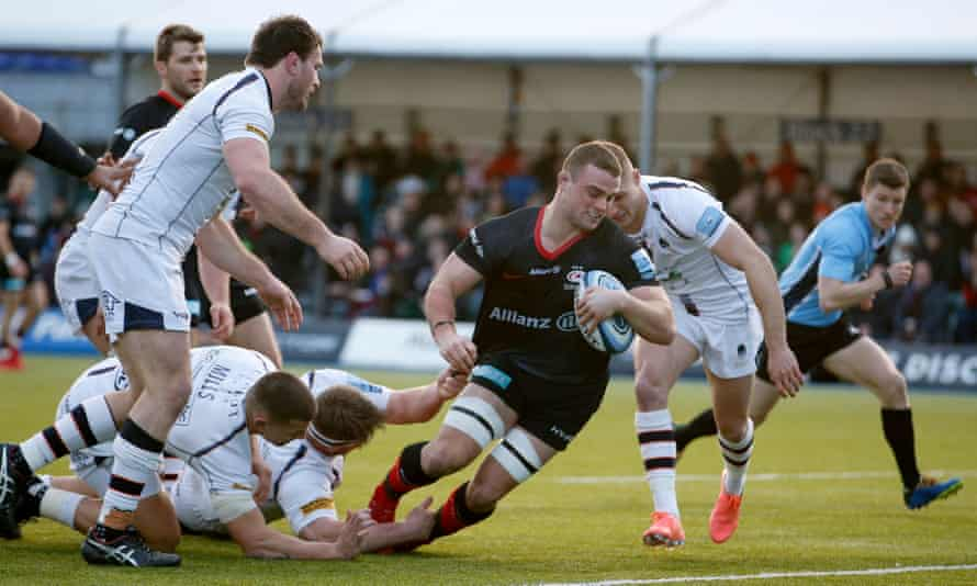 Ben Earl goes over for Saracens' opening try.