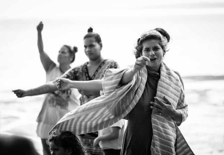 Yulu Burri Ba Dancers welcome the Saltwater Boys