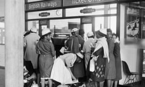 People from Jamaica arrived at Gatwick Airport in 1962.