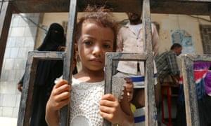 Girl and her family in Hodeidah