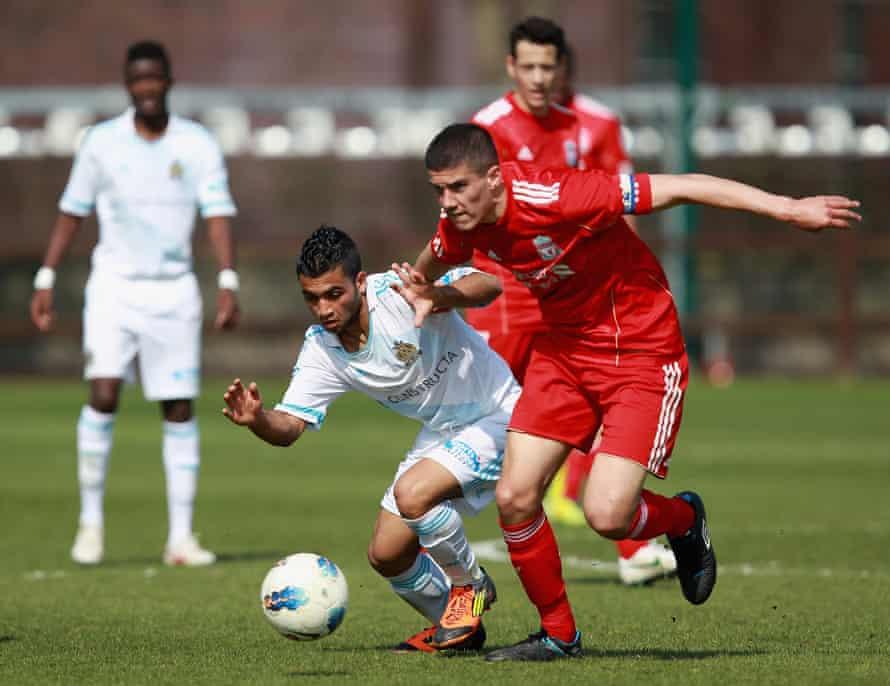 Ο Conor Cody παίζει για τη Λίβερπουλ εναντίον της Μασσαλίας σε αγώνα U19.