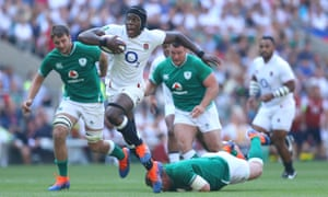 Maro Itoje breaks away to score England's fourth try.