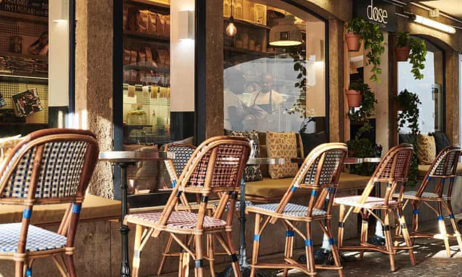 Outdoor seating at Dose cafe, Batignolles, Paris.