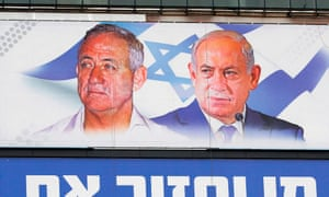 Retired general Benny Gantz (L) and Prime Minister Benjamin Netanyahu(R) look set to win one another's home seats.