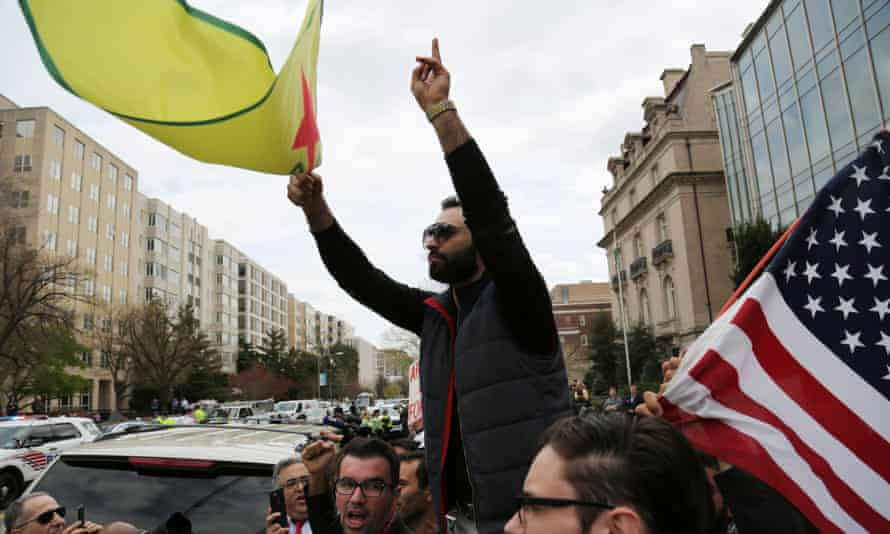 Demonstrations protesting President Erdoğan's visit, in front of the Brookings Institution in Washington DC.