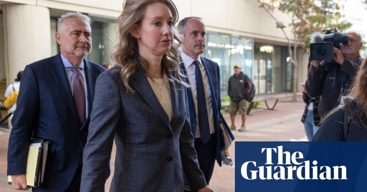 Theranos: Elizabeth Holmes' pregnancy expected to delay her trial