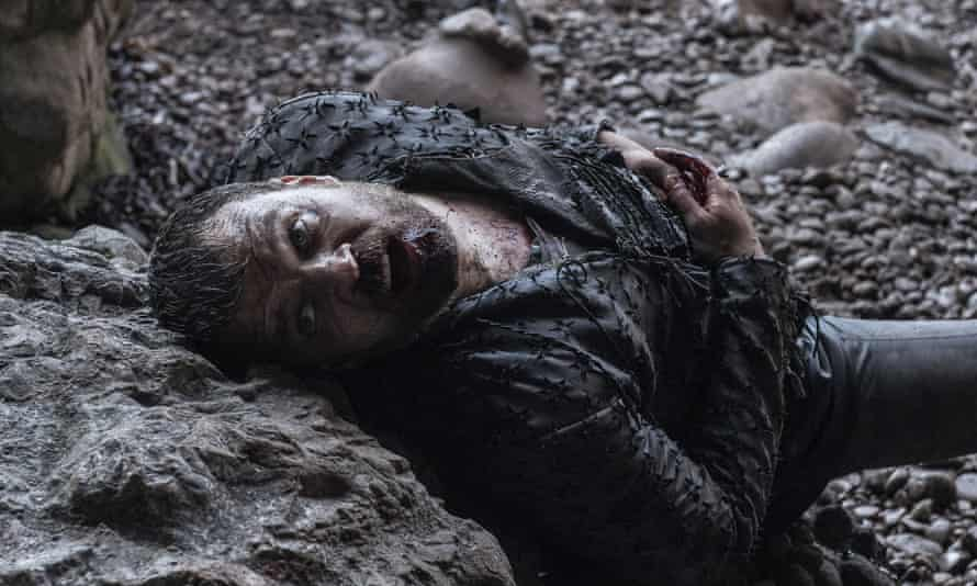 Euron Greyjoy popping up on that beach was so daft the collective facepalm was probably audible from space.