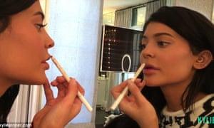 Kylie Jenner shows off her makeup skillz.
