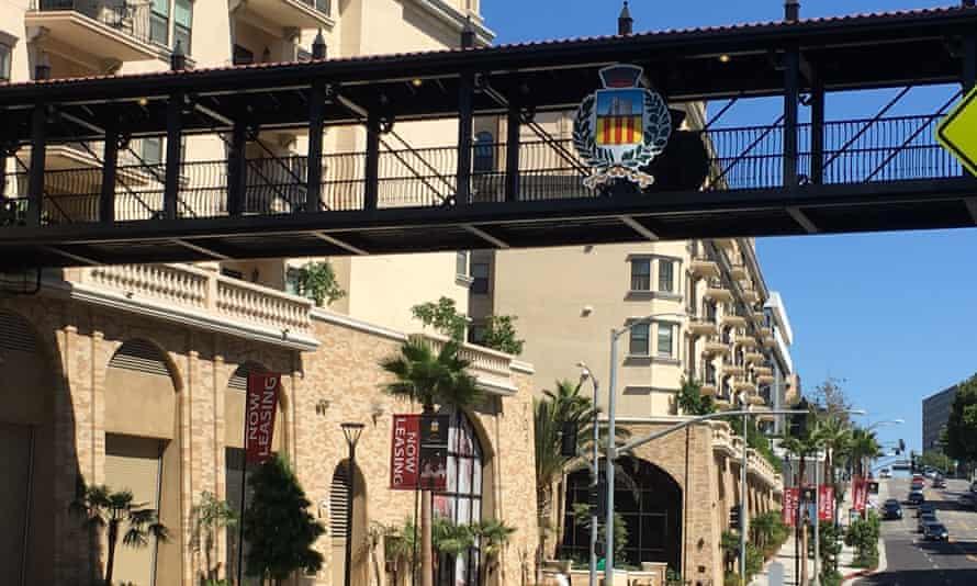 Street view of Da Vinci apartments and skybridge.