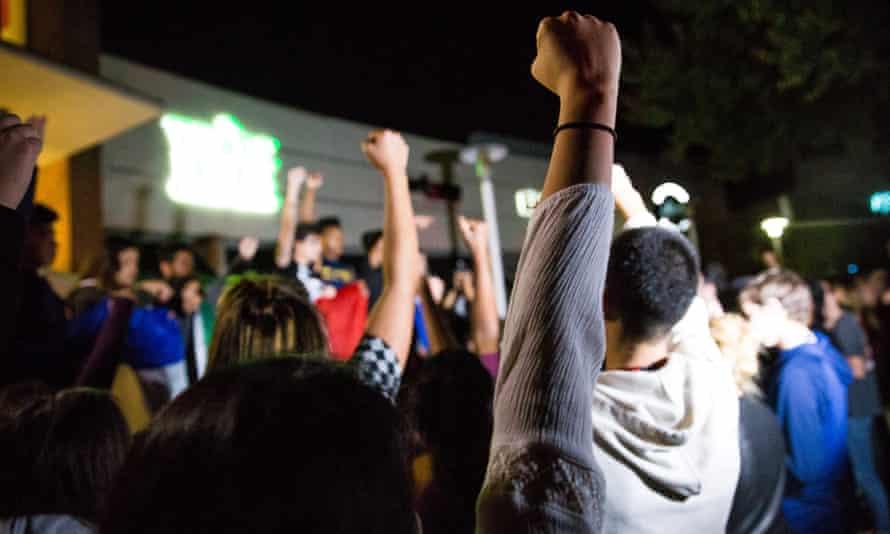 trump california protest