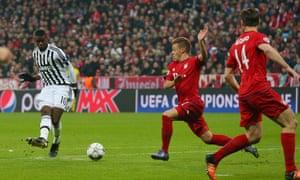 Paul Pogba scores Juventus' first goal.