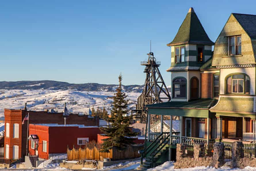 Historic buildings and homes along with mining gallows in Butte, Montana, USA