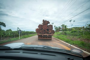 A logging truck on the 'Coffee Road' near the Seventh of September reserve