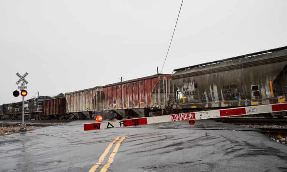 Train running by the Pittsburgh Neighborhood