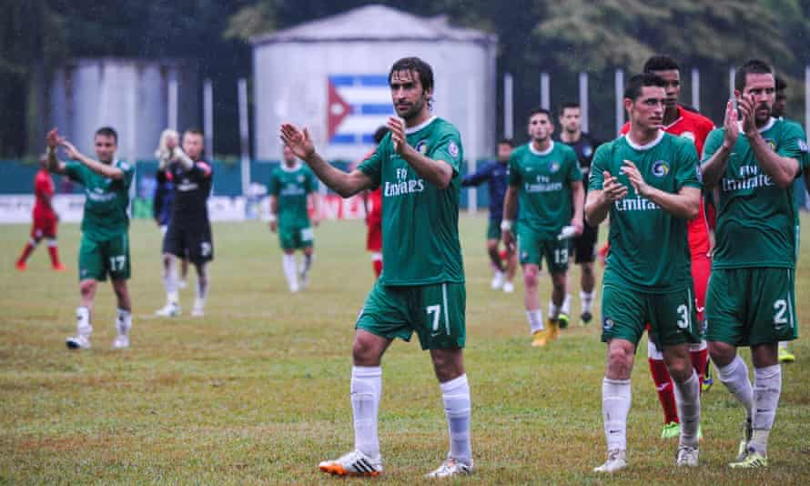Cosmos star Raul and teammates applaud after their 4-1 victory in Havana.