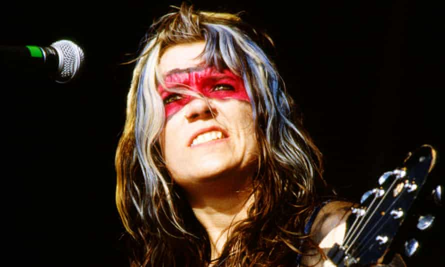 Inspiration to a generation … Donita Sparks of L7 at Reading 1992.