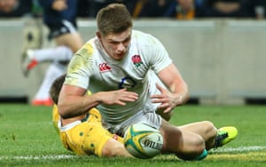 Owen Farrell scores the try to clinch the win.