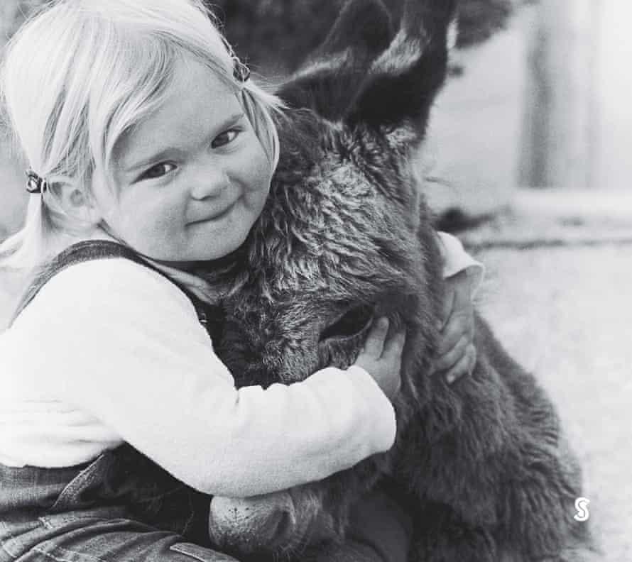 Susanne Schäfer-Limmer with the donkey.