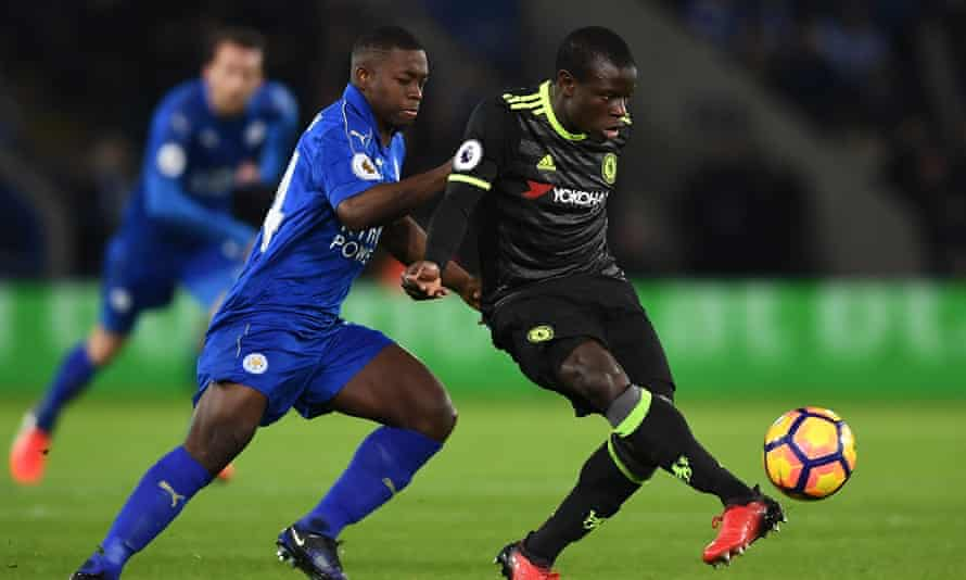 N'Golo Kanté keeps one step ahead of Nampalys Mendy in his return to Leicester City.