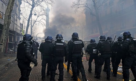 French riot police clash with protesters at the Place de la Bastille