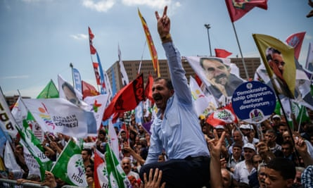 Supporters of the HDP party at a 5 June protest against the bill to remove lawmakers' immunity, which is seen as targeting pro-Kurdish MPs.