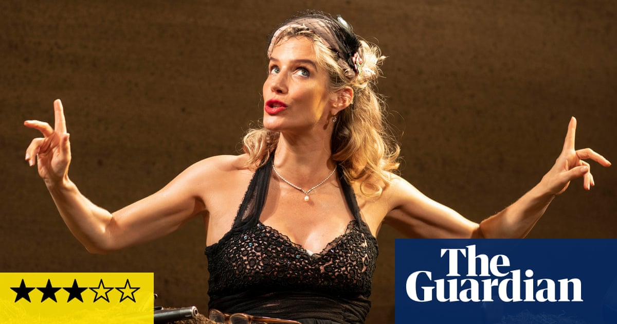 Happy Days review – Lisa Dwan swings from laughter to gothic gravity