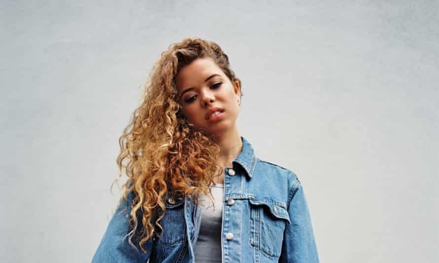 Nilüfer Yanya: 'People don't want to have to think about the future'.