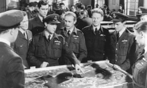 Richard Todd plays Wing Commander Guy Gibson (third left) in The Dam Busters (1955)