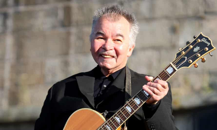 'Extraordinarily eloquent' … American songwriter John Prine, seen here in 2010, has died.