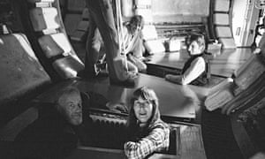 Alec Guinness, Patricia McDermott, Mark Hamill and Harrison Ford on the Star Wars set.