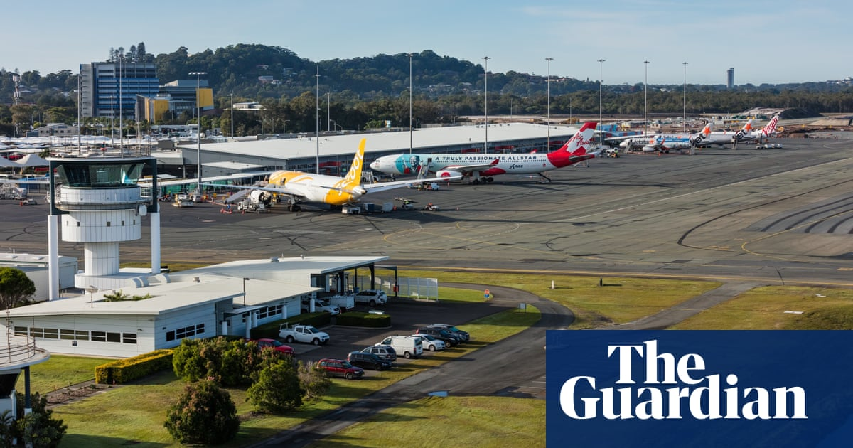 Pilot was asleep as plane flew over Brisbane and Gold Coast, report finds