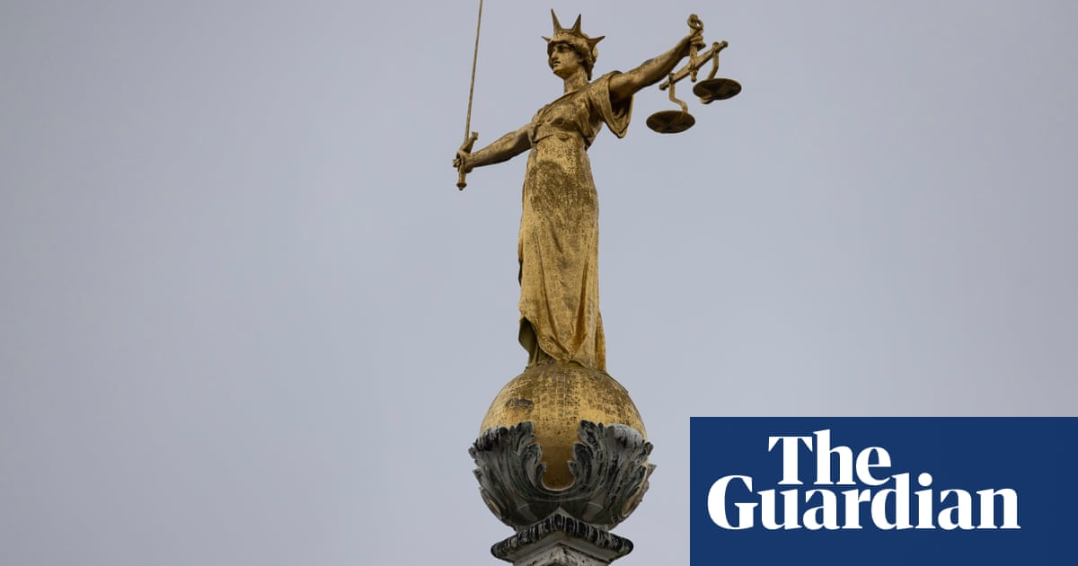 Crown court backlog has reached 'crisis levels', report warns