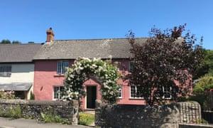 Glasbury B&B pink cottage