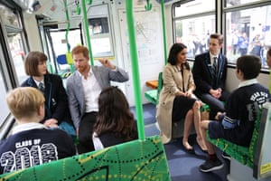 The Duke And Duchess Of Sussex Visit Australia - Day 3MELBOURNE, AUSTRALIA - OCTOBER 18: Prince Harry, Duke of Sussex and Meghan, Duchess of Sussex talk to students from Albert Park Primary School, Port Melbourne Primary School and Elwood Secondary College while riding on a Melbourne Tram on October 18, 2018 in Melbourne, Australia. The Duke and Duchess of Sussex are on their official 16-day Autumn tour visiting cities in Australia, Fiji, Tonga and New Zealand. (Photo by Chris Jackson - Pool/Getty Images)