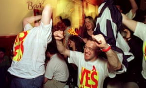 A crucial result comes in from the Borders region during the referendum count at the YES YES campaign party.