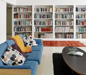 The book-lined living area.