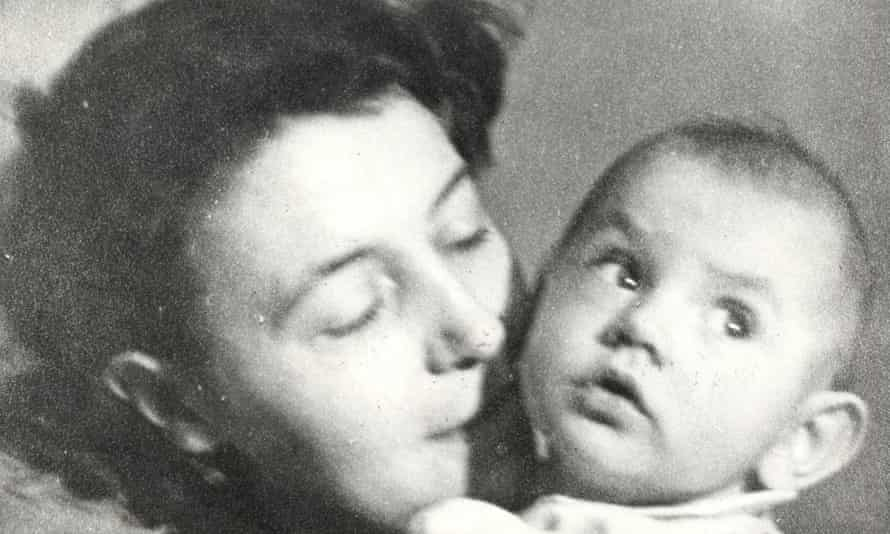 Eileen Blair with baby Richard in 1944