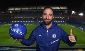 Gonzalo Higuaín has joined Chelsea on loan.