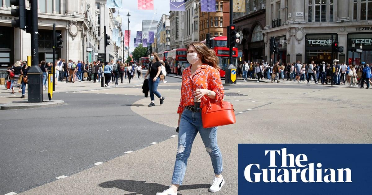 Nine in 10 in UK still wearing masks despite end of Covid controls