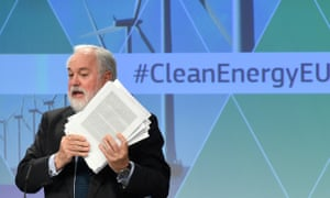 EU climate commissioner Miguel Arias Cañete gives a press conference on the Clean Energy package at the EU headquarters in Brussels on 30 November