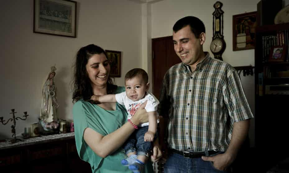 Nuno and Daniela Silva with their son, Santiago, received 5,000 euros for having their baby.