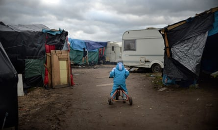 Child at Calais refugee camp