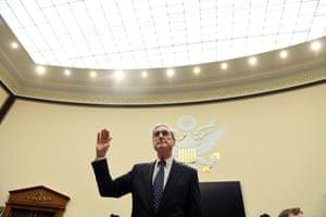 Robert Mueller is sworn in for his testimony before Congress.