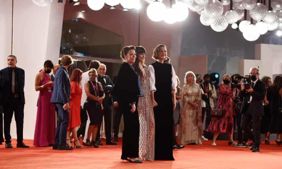 Olivia Colman, Dakota Johnson and Maggie Gyllenhaal on the red carpet for The Lost Daughter.