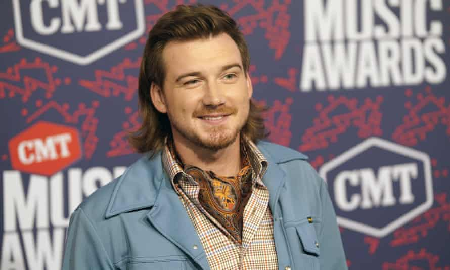 Morgan Wallen has apologized after a video surfaced showed him shouting a racial slur.