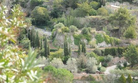 Beautiful roads leading up to Valldemossa, Mallorca.