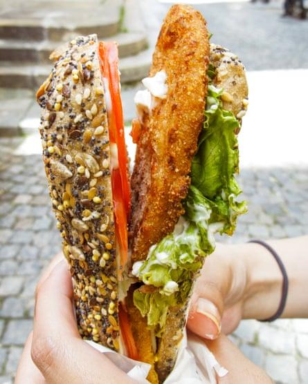 Delizioso: vegan chop sandwich.